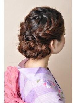 浴衣に似合う髪型アレンジ 編み込みアップ