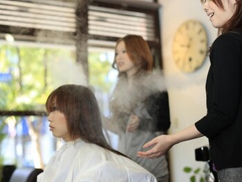 テイクイットイージー(TAKE IT EASY)の写真/日常生活で髪が受けるダメージも、ムコタ最高素材で内側から輝くような髪に。質感、手触りも良くなります☆