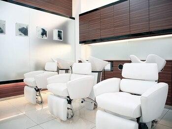 ゼル ZELE DESIGN & SPA 甲府向町の写真/高級ホテルを思わせる,美容室とスパの未来型複合サロン…こだわり抜いた贅沢スパ空間で根本から美しく。