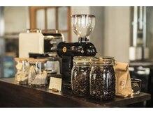 ブロカント ヘア ドレッシング(Brocante HAIR DRESSING)の雰囲気(カフェのようにこだわりのコーヒーブレイクをお楽しみください。)