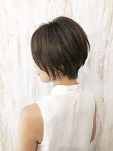 リン(rin.)【rin.】ショートボブ×グレーブラウン