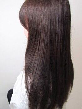 アングゥロアール(ungu Roire)の写真/髪質やダメージに合わせてあなただけの組み合わせを-。Aujuaのヘアケアでずっと触っていたくなる質感に。