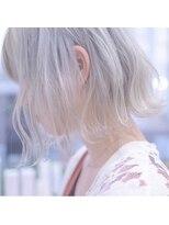ホワイト 梅田(white)夏イチオシ★ホワイトカラー×切りっぱなしボブ