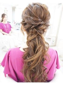 ヘアアンドメイクジップ恵比寿 (Hair&Make ZIP)カジュアルローポニーテール