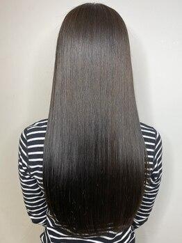 アモン 小倉駅前店(amon)の写真/【小倉駅すぐ】amonオリジナルの【誰もが触りたくなる憧れの美し髪ストレート】で最高のつや髪を叶えます☆