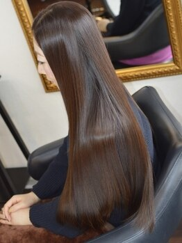 ウィズ(WiZ)の写真/【M3D講師在籍】カラーと同時にストレート★特許取得の『M3D技術』を駆使し、髪への負担を軽減♪時短にも◎