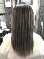 ヘアーグランデシーク(Hair Grande Seeek)外国人風アッシュグレー3Dcolor♪