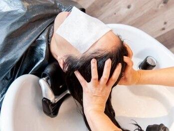 カットハウスアバ(ABba)の写真/【最先端の強髪ヘッドスパ剤でお悩み解消!】トップのボリュームUP/リラックス効果◎若い方にもおススメ♪