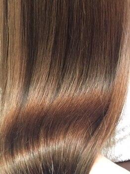 バーシャミ ヘアーアンドスパ(Baciami Hair&Spa)の写真/縮毛矯正の概念を覆す低負担で得られる【圧倒的な手触りとツヤ感!!】仕上がりの感動を是非一度体感下さい♪