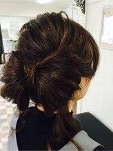 アロー ヘア(Arrow Hair)大きめなリボンのスタイル