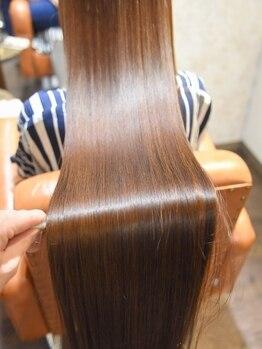 カータヘアルム(karta hair rum)の写真/【圧倒的艶】独自の矯正と豊富な知識で気になる癖も、貴女史上最高の美しい艶髪に【髪質改善】