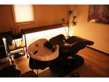 美容室 スパイス(SPICE)の雰囲気(2階には完全個室のスパ室とエステ室もございます。)