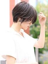 アンド ストーリーズ 表参道(&STORIES)センシュアルショート 前髪セシルカット大人かわいい