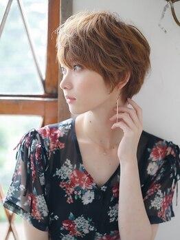 アーサス ヘアー デザイン 北千住店(Ursus hair Design by HEAD LIGHT)の写真/くせ毛をあえて活かすスタイルを提案。一人ひとりの髪質やクセ、ダメージをみてアドバイスしてくれる♪