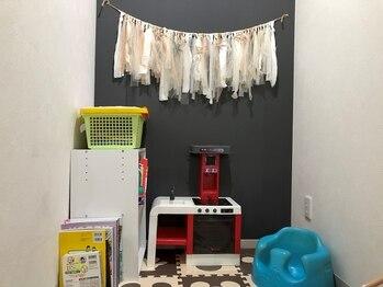 ブラン(Blanc)の写真/【キッズスペースあり】お子様の姿が見えて安心♪ベビーベッドや授乳スペースもあるので、赤ちゃん連れも◎