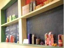 ヘアーニシムラ(HAIR NISHIMURA)の雰囲気(塗料組合から賞をいただいた飾り棚です!)