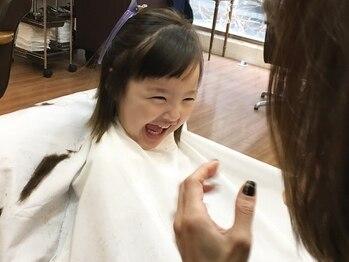 ヘアーアンドネイル ピーファイブ(hair&nail P five)の写真/池尻大橋◆キッズカットあり!ママ・パパスタッフ多数在籍のアットホームサロン!家族みなさんでの施術もOK◎