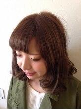 ヘアアンドエステ ロモ(HAIR&ESTHE ROMO)クールな髪色を大人可愛く。