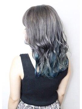 ソース ヘア アトリエ(Source hair atelier)【SOURCE】ホワイト×ブルー