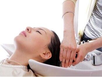 ヘアーメイク スクエア ウーノ(HAIR MAKE SQUARE uno)の写真/オトナ女性の為の本格ヘッドスパ*『癒し』『頭皮のお悩み』『エイジングケア』…目的に合わせてご案内♪