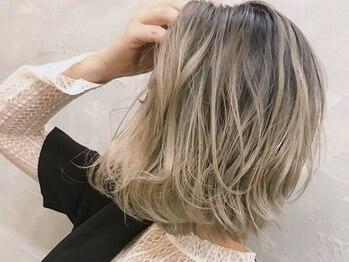 """アットホーム(@HOME)の写真/外国人風カラーで人気の""""イルミナカラー""""取扱店★インナーカラーでちょっと感度高めのヘアスタイルに♪"""