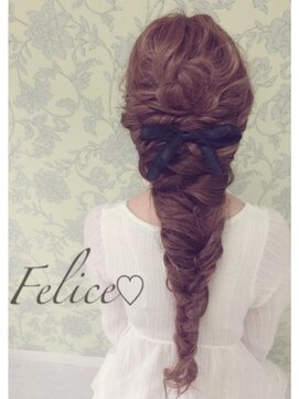 ディズニープリンセスヘアアレンジ(アナと雪の女王エルサの髪型)ふんわり編み込みダウンヘア☆