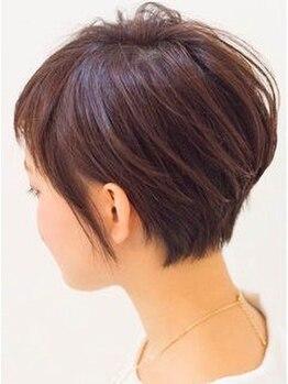 ヘアールーム(Hair Room)の写真/ダメージレスな商材で、毎月染めても頭皮や髪に優しい◎厳選オーガニックカラーで自然な上品カラーに♪