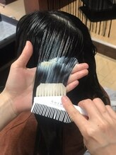 髪の毛の内部のタンパク質に働きかける