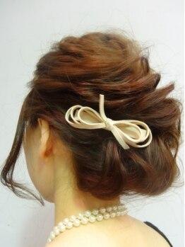 セブンフィズ(SEVEN fizz)の写真/結婚式や二次会などの大切な日のヘアセットは大人可愛いスタイルで周りと差をつけて…♪