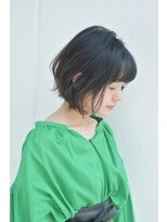 キアラ(Kchiara)黒髪の軽やかボブ/ワイドバング