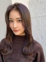 マリア(Maria by afloat)韓国風艶髪小顔カット、顔周りレイヤー