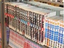 美容室 クレイ(CLAY)の雰囲気(マン喫かよっ!と思わせる程の大量のマンガ・雑誌があります。)