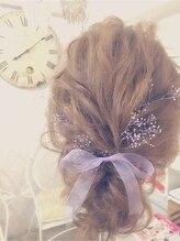 ヘアメイクアンドセットサロン リッコ(Hair make&set salon Ricco)波ウエーブのオトナ女子ヘアアレンジ