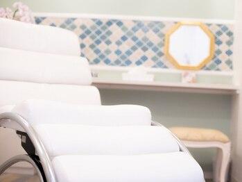 デザインスペースプリズム(Design Space PRISM)の写真/お客様を第一に考えて作った半個室のお席でリラックス★女性は完全個室のエステルームもあるのが嬉しい♪