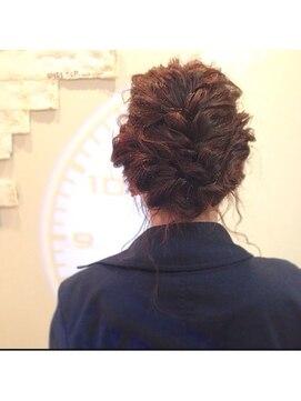 シェルターヘアールーム(SHELTER hair room)アップヘアアレンジ