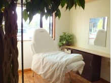 美容室 ティファニー(Tiffany)の雰囲気(美容室でフェイシャルエステが気軽に受けられます。)