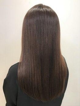 リゾーム 新小岩店(Rhizome)の写真/[自然派 ? しっかり派 ?] あなたの要望に合わせた髪質改善縮毛矯 正施術を重ねる度に感動の髪質に