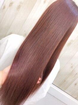 """アンク クロス 池袋東口店(ANKHCROSS)の写真/美容業界で話題の超音波のアイロン""""ケアプロ""""超音波で髪内部まで浸透させ、最高にうる艶な髪に♪"""
