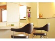 ヘアー グリーム(HAIR gLeam)の雰囲気(4席のプライベートサロン☆ゆったりくつろげる空間です。)