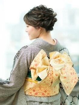 エーエム(AM)の写真/【六本木駅徒歩3分】素早く丁寧な着付けは着崩れしにくく動きやすい◎美しい佇まいの着物美人に