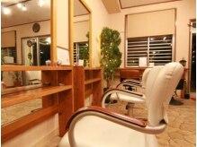 サロン ドゥ シノビィ(salon de shino b)の雰囲気(落ち着いていて、プライベートな雰囲気の店内。)