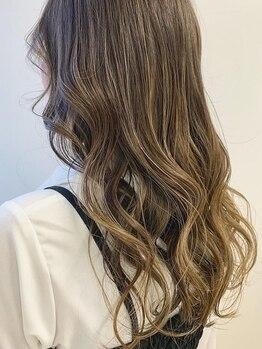 サムソンアンドデリライズム(SAMSON&DELLILA isms)の写真/ナチュラルなのに艶☆髪を美しく魅せるカラーで垢抜けた印象に