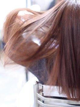グリット ヘアプラスフォト(grit HAIR+PHOTO)の写真/【ブリーチをしていてもOK】ダメージ・クセで広がる髪に◎まっすぐ過ぎないナチュラルストレートが叶う!