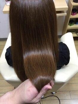 路美容室の写真/【髪が痛んでる方必見☆】四季・習慣・年齢・髪質などの変化に合わせて、ツヤサラ髪を叶えます!