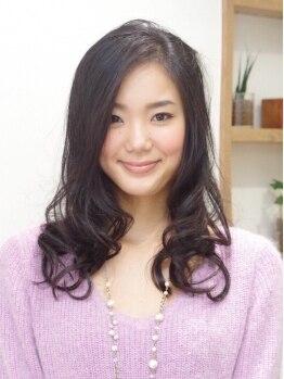 アールヘアーアンドメイク(R Hair&Make)の写真/《西荻窪》周りを気にせず過ごせるのが嬉しい!拘りのヘアケアと丁寧なカットで女性らしい柔らかな質感に♪