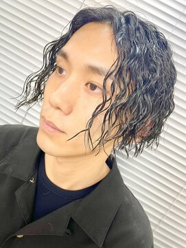 アブアイロス(LOSS)【stylist/shogo】somperm/前下がり縦落ちツイスパ
