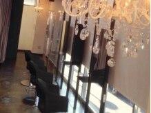 ビーナスアートヘア 五日市店(Ve nus ART HAIR)の雰囲気(アットホームながらプチゴージャスな感じが心地よい空間♪)