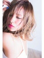 外国人風スタイル15。【miel hair blanc】