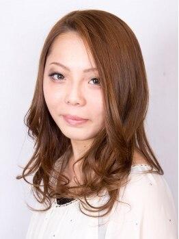 美容室 マキの写真/お客様それぞれ髪の広がり方やクセは違うもの。髪質やクセに合わせたかけ方で仕上がりを調整してくれます。