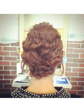 結婚式の髪型(レトロヘアアレンジ) レトロフェミニンアレンジ